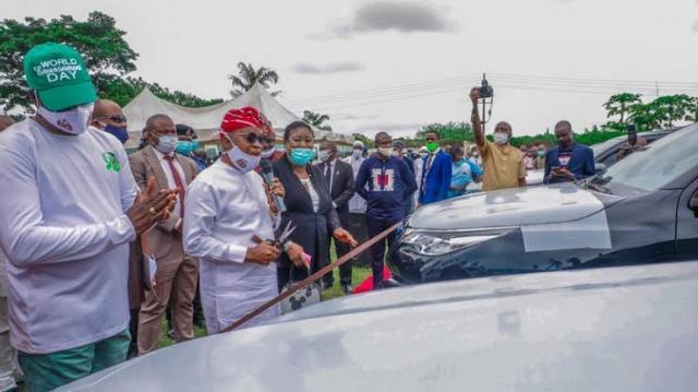 Gboyega Oyetola parents cars to Osun Judges