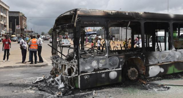 Bus burnt in Ivory Coast protest