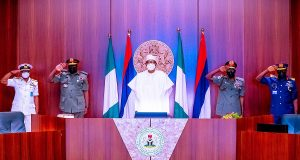 Buhari with new service chiefs
