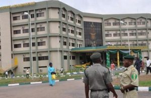 262 Oyo prison escapees recaptured, 575 still at large